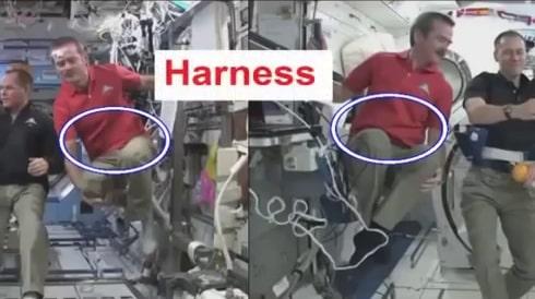 NASA - Актьори-астронавти закачени с тънки жици на хамути 4 - Плоската Земя - СТАМАТ