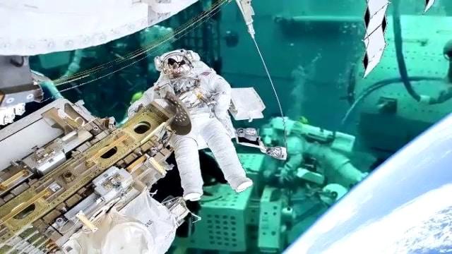 CGI-монтаж на зелен екран - инсценировка на открит космос 2 - Плоската Земя - СТАМАТ