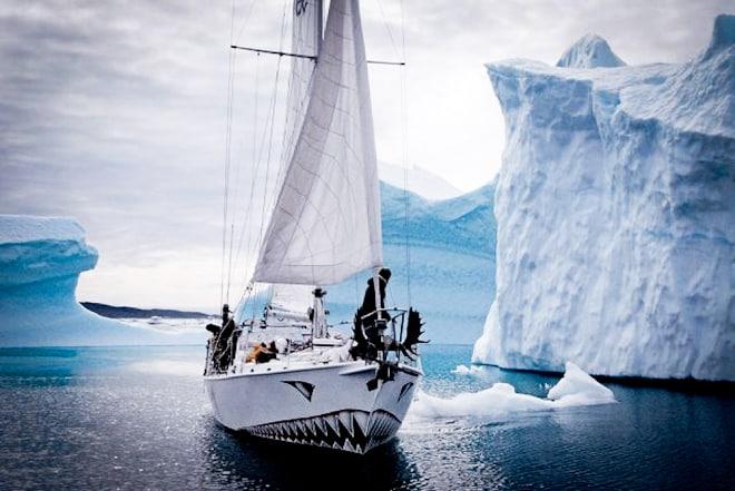 Яхтата Берзерк на Ярле Андхой е потопена и трима умират при опит да докажат Плоската Земя - СТАМАТ