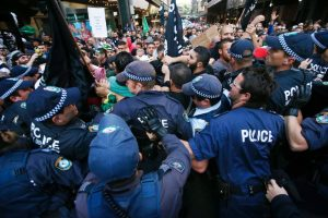 Масови безредици и полицията - Плоската Земя - СТАМАТ (1)