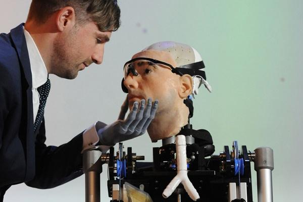 Бионичните-импланти---първата-стъпка-към-Постхуманизма---Плоската-Земя---СТАМАТ